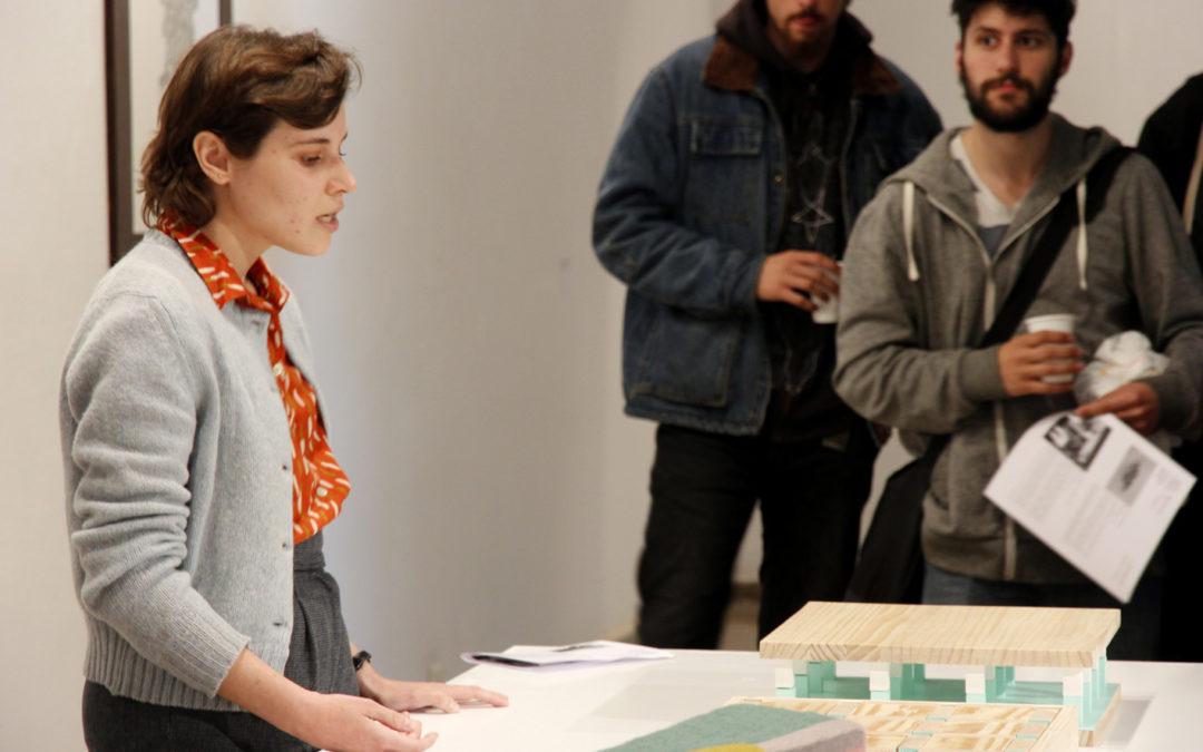 """Mònica Planes i Àlex Palacín presenten """"Jugar com una fruita no és jugar"""" a la Fundació Arranz-Bravo"""